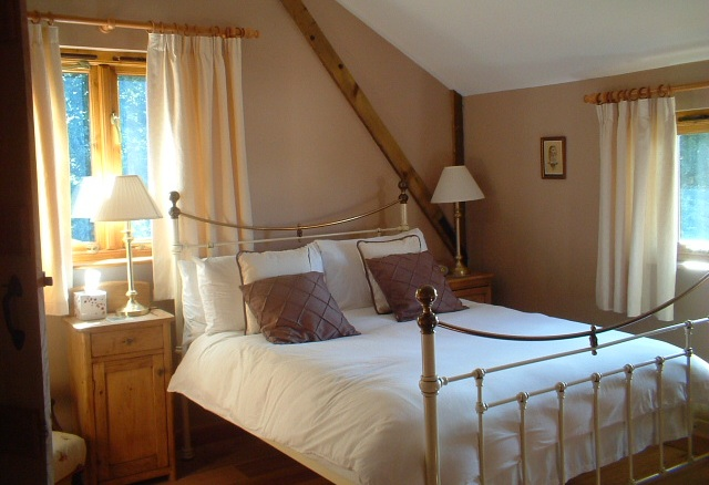 One of the double bedrooms at Anstey Grove Barn bed and breakfast and self-catering accommodation in Hertfordshire